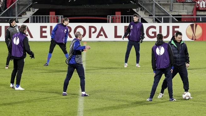 FC Steaua Bucuresti players train